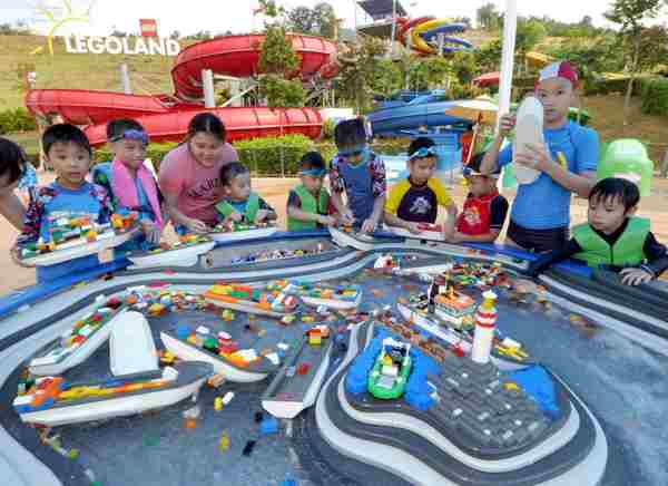 Legoland Malaysia Water Park Build-A-Boat